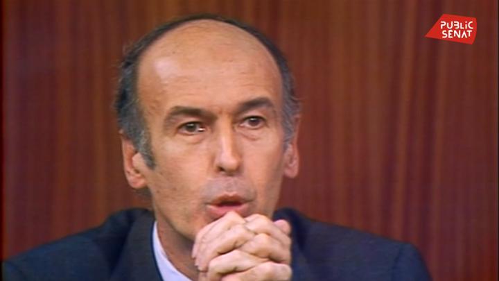 Valéry Giscard d'Estaing pendant le débat avec François Mitterrand le 10 mai 1974