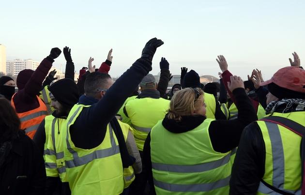 """Action de """"gilets jaunes"""" à Calais, le 23 novembre 2018"""