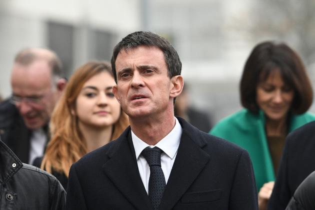 L'ancien Premier ministre et candidat à la primaire du PS, Manuel Valls, en déplacement le 15 décembre 2016 à La Rochelle