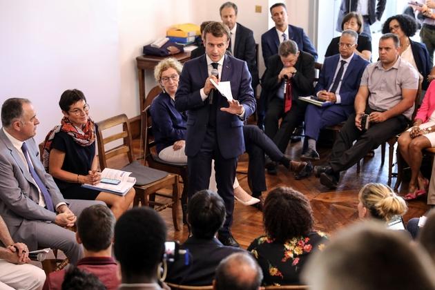 Emmanuel Macron lors d'un meeting devant la Préfecture de La Reunion, le 24 octobre 2019