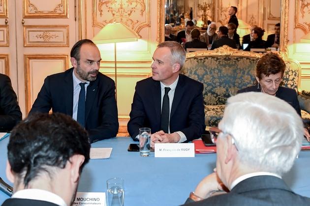 Le Premier ministre Edouard Philippe (g) et le ministre de la Transition écologique François de Rugy, le 29 novembre 2018 à l'Hôtel Matignon, à Paris