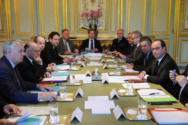 Le Conseil de Défense présidé par Francois Hollande