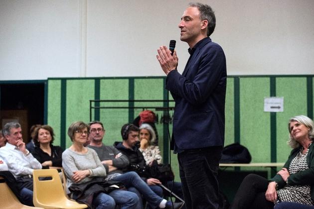 L'essayiste Raphaël Glucksmann, à la tête de la liste soutenue par le PS aux Européennes, lors d'un meeting de campagne, le 29 mars 2019 à Clermont-Ferrand