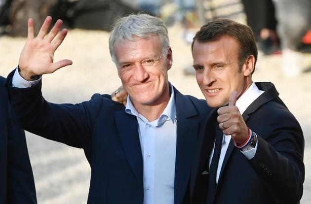 Emmanuel Macron et Didier Deschamps lors de la réception des Bleus champions du monde à l'Elysée le 16 juillet 2018