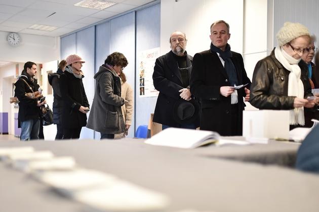 François de Rugy se prépare à voter au premier tour de la primaire élargie du PS à Nantes le 22 janvier 2017