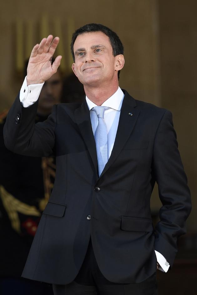Manuel Valls lors de la cérémonie de passation de pouvoir à Matignon le 6 décembre 2016 à Paris