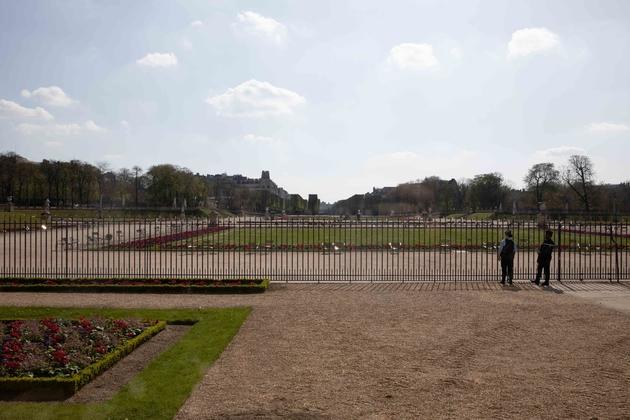 Le jardin du Luxembourg, le 19 mars 2020, au lendemain de l'entrée en vigueur du confinement en France.