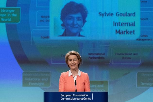 La présidente de la Commission européenne Ursula von der Leyen lors d'une conférence de presse pour annoncer les noms des nouveaux commissaires européens, le 10 septembre 2019 à Bruxelles