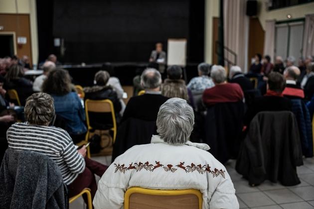 Les habitants de Saint-Jean-sur-Veyle (Ain) lors d'une réunion le 7 février 2019 sur le grand débat national