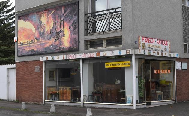 Une devanture de magasin à Seremange-Erzange, dans la vallée de la Fensch en Moselle, le 17 novembre 2016