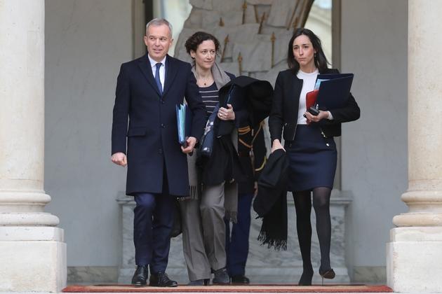 Le ministre de la Transition écologique François de Rugy et les secrétaires d'Etat à la Transition écologique, Emmanuelle Wargon et  Brune Poirson, quittent l'Elysée le 26 novembre 2018
