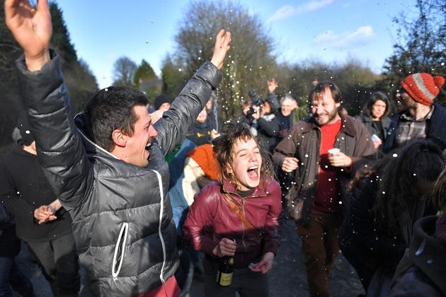 Explosion de joie dans la Zad de Notre-Dame-des-Landes après l'annonce de l'abandon du projet d'aéroport, le 17 janvier 2018