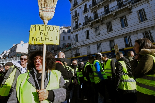 Une manifestante à Marseille, le 8 décembre 2018