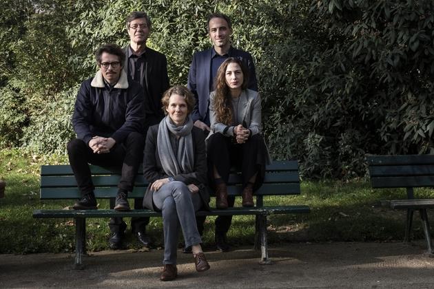 De gauche à droite: Thomas Porcher, Jo Spiegel, Claire Nouvian, Raphael Glucksmann et Diana Filippova, membres fondateurs de Place publique, le 5 novembre 2018 à Paris