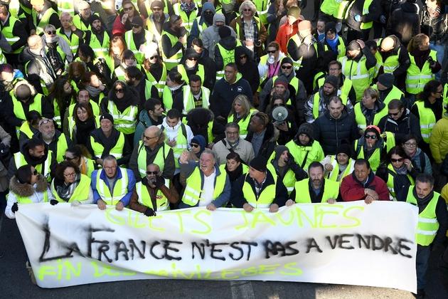 """Manifestation de """"gilets jaunes"""" à Marseille, le 15 décembre 2018"""
