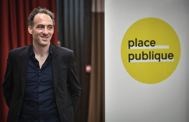 L'essayiste Raphaël Glucksmann, fondateur dcu parti Place Publique, annonce sa candidature aux Européennes, le 15 mars 2019 à Paris