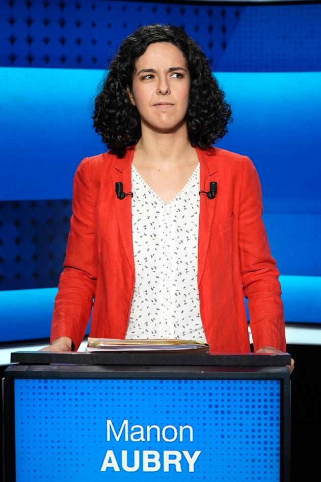 La tête de liste de la France insoumise (LFI) Manon Aubry, avant le débat de France 2, à Saint-Cloud, le 22 mai 2019