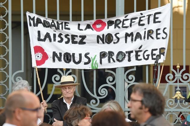 Manifestation de soutien à Rennes au maire de Langouët, Daniel Cueff, le 22 août 2019, pour avoir pris en mai un arrêté interdisant l'utilisation de produits phytopharmaceutiques à une distance inférieure à 150 mètres de toute habitation