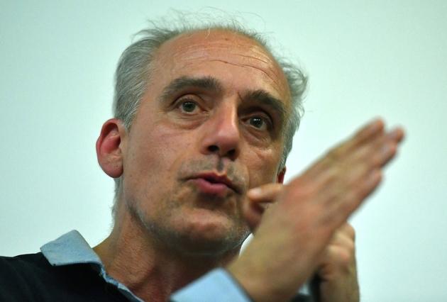 Le candidat du Nouveau parti anticapitaliste, Philippe Poutou, prononce un discours à Montpellier, le 7 avril 2017