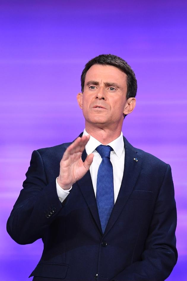 L'ancien Premier ministre Manuel Valls sur le plateau du débat du second tour des primaires de la gauche à La Plaine-Saint-Denis le 25 janvier 2017