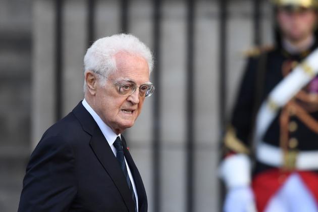 Lionnel Jospin, Premier ministre socialiste de Jacques Chirac, arrive à l'église Saint-Sulpice pour l'hommage solennel à l'ancien président de la République, le 30 septembre 2019