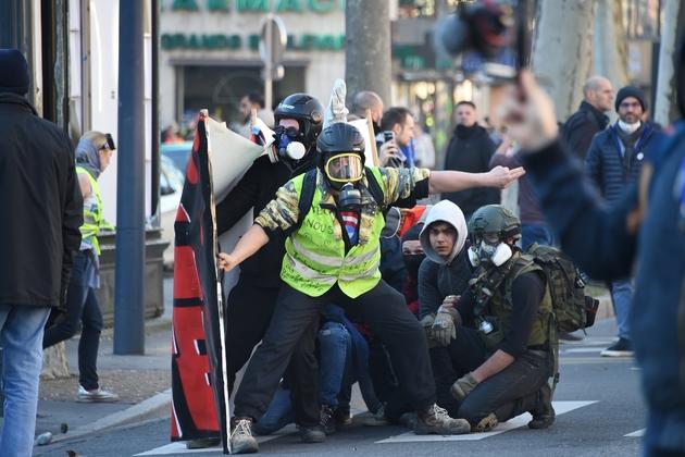 """Des incidents ont éclaté entre participants et forces de l'ordre, le 16 février 2019 à Toulouse en fin de manifestations des """"gilets jaunes"""""""