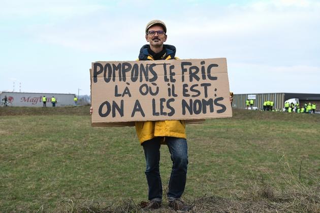 """Martin, 54 ans, militant de La France Insoumise (LFI), lors d'un rassemblement de """"gilets jaunes"""", le 17 novembre 2018 à Dole"""