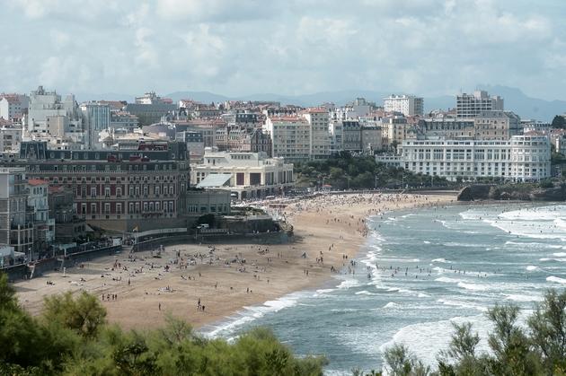 La plage de Biarritz, ville où aura lieu le sommet du G7, le 13 août 2019 dans le sud-ouest de la France