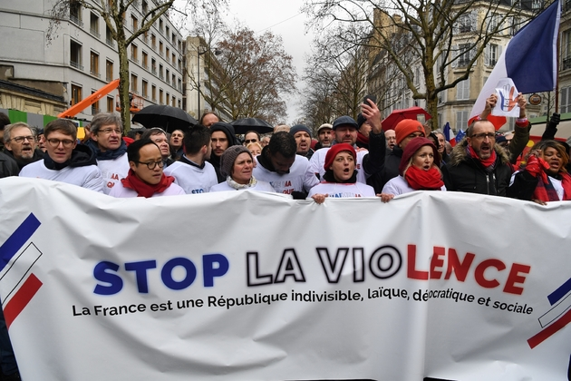 "Manifestation de ""foulards rouges"" à Paris, le 27 janvier 2019"