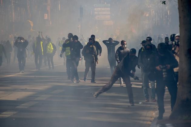 """Echaufourrées lors de la manifestation des """"gilets jaunes"""" à Toulouse, le 13 avril 2019"""