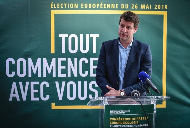 Yannick Jadot, tête de liste EELV pour les Européennes, lors d'une conférence de presse au siège de son parti à Paris, le 17 mai 2019
