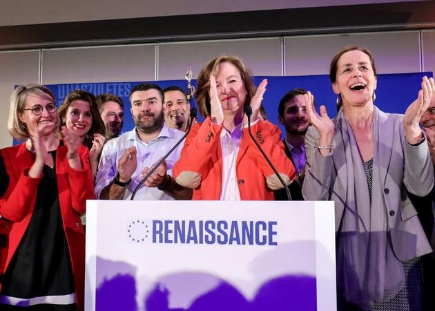 Nathalie Loiseau applaudit après l'annonce des résultats aux Européennes, le 26 mai 2019 à la Mutualité à Paris