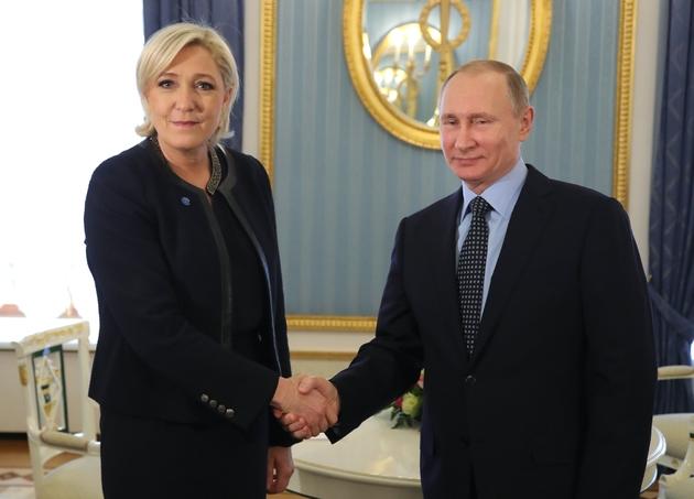 Marine Le Pen en tête — Étaples