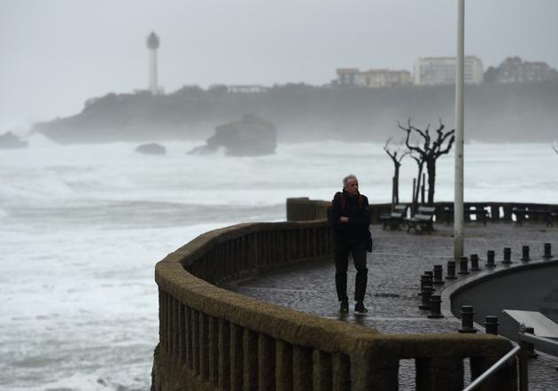 Une tempête à Biarritz (Pyrénées-Atlantiques) le 13 décembre 2019