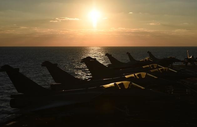 Des Rafale sur le porte-avions Charles-de-Gaulle en Méditerranée orientale, le 9 décembre 2016