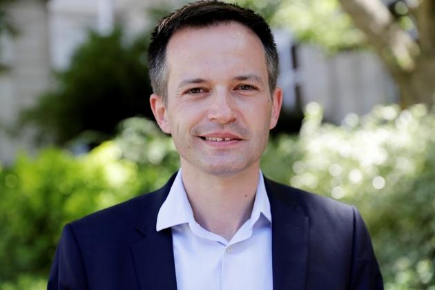 Pierre-Yves Bournazel, député Les Républicains de Paris, est pris en photo le 19 juin 2017 en arrivant à l'Assemblée nationale