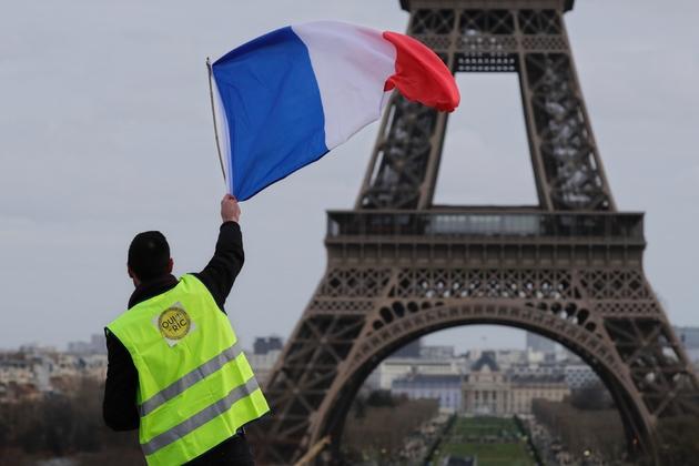 """Manifestation des """"gilets jaunes"""" sur le Champs de Mars à Paris le 9 février 2019"""