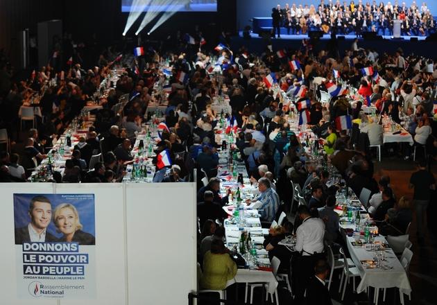"""Une affiche de Marine Le Pen, présidente du Rassemblement National, et de Jordan Bardella, tête de liste RN pour les Européennes, lors d'un """"banquet patriotique"""", le 1er mai 2019 à Metz"""