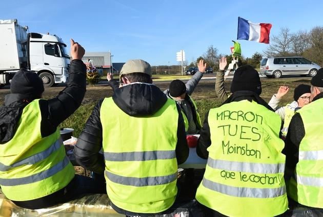"""Des """"gilets jaunes"""" à Voivres-lès-le-Mans, le 17 décembre 2018"""