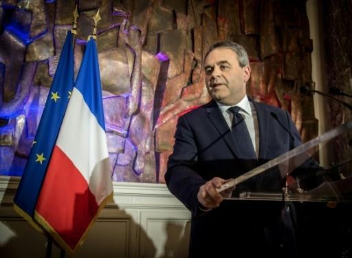Le président LR des Hauts-de-France, Xavier Bertrand, peu après son élection, à Saint-Quentin le 13 décembre 2015