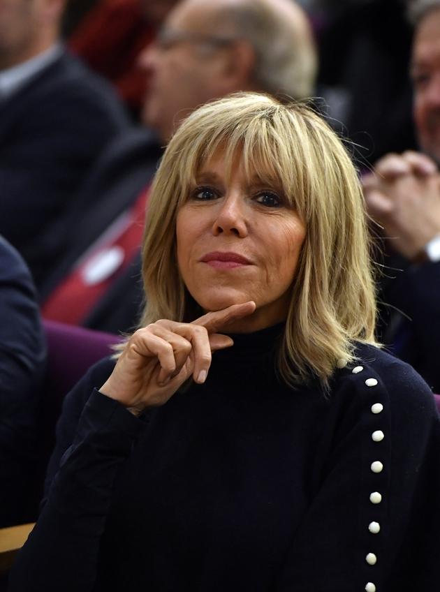 Brigitte Trogneux, L'épouse d'Emmanuel Macron, a écouté le discours parmi le public, lors du meeting électoral à Bordeaux, le 13 décembre 2016