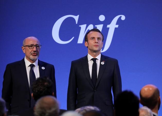 Le président Emmanuel Macron et le président du Crif, Francis Kalifat (g), le 20 février 2019 à Paris