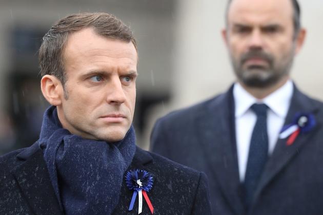 Emmanuel Macron et son Premier ministre Edouard Philippe, lors de la cérémonie à l'Arc de Triomphe, à Paris  le 11 novembre 2018