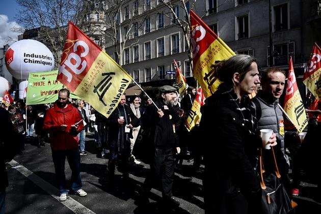 Manifestation à Paris le 19 mars 2019 pour réclamer davantage de pouvoir d'achat et défendre les services publics lors d'une journée d'action CGT-FO