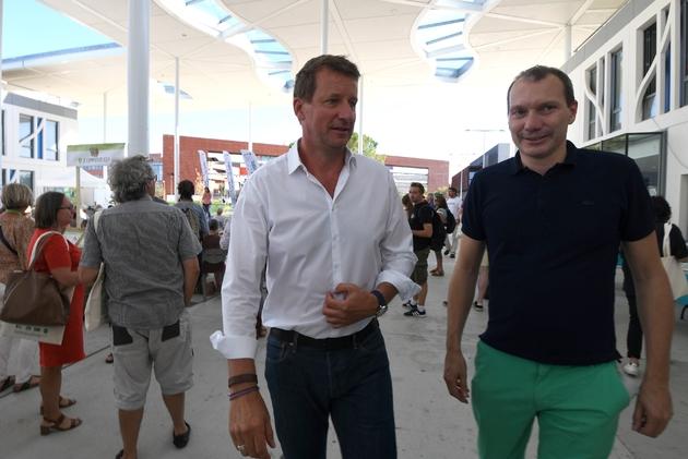 Le député européen EELV Yannick Jadot (g) et le secrétaire national EELV David Cormand, à l'ouverture des journées d'été des écologistes, le 22 août 2019 à Toulouse