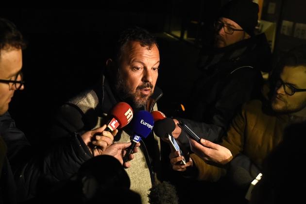 Me Emmanuel Riglaire, avocat des victimes de Dino Scala, répond aux questions des journalistes au tribunal d'Avesne-sur-Helpe, le 22 mars 2018