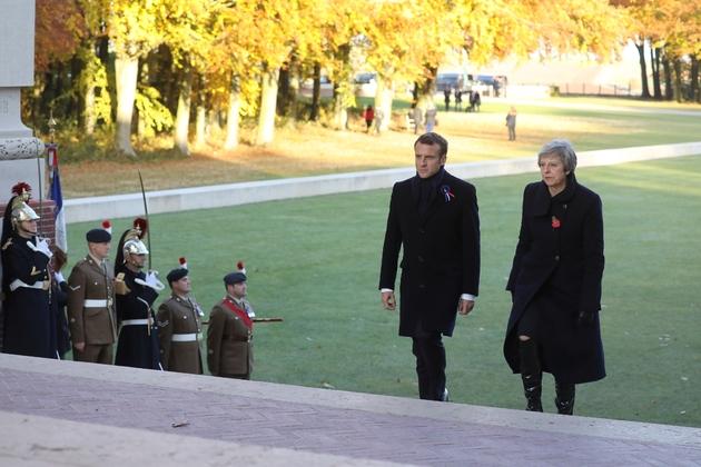 Emmanuel Macron et Theresa May au Mémorial de Thiepval, dans la Somme, le 9 novembre 2018