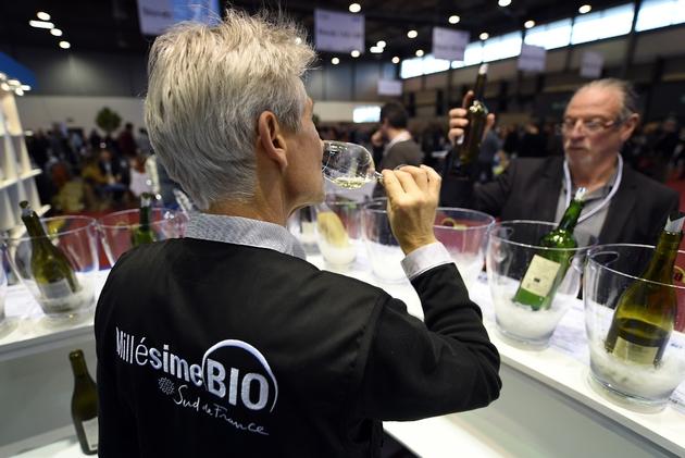 """Au salon international du vin biologique, """"Millesime Bio"""", à Montpellier le 26 janvier 2016"""