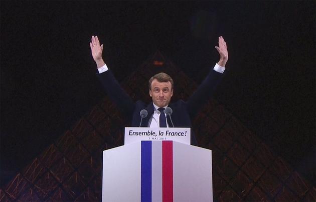 Emmanuel Macron lors de son discours après son élection à la pyramide du Louvre, le 7 mai 2017