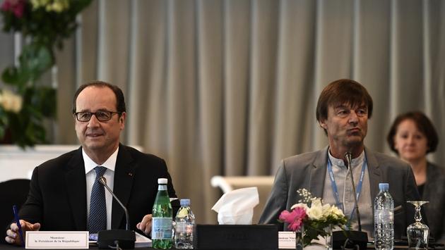 Nicolas Hulot au côté de François Hollande, le 16 novembre 2016 à Marrakech, lors de la COP22